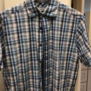 Casual short sleeve shirt